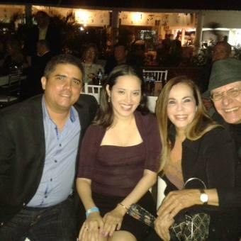 Justo, Isabel, Raquelita y el Pollo